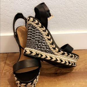 Bamboo black and white wedges, NEVER WORN